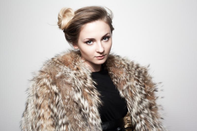 Faux-Fox_Beauty-Laura-4